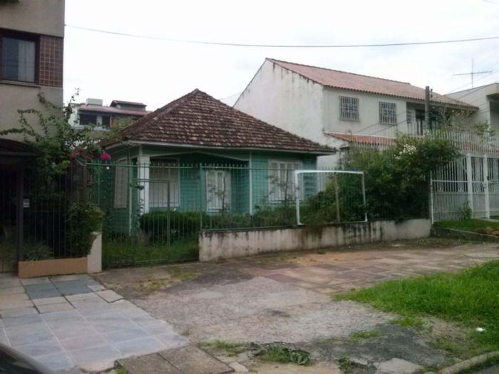 Excelente terreno, plano, tem uma casa mista, localização pode ser residencial ou comercial, próximo ao Iguatemi