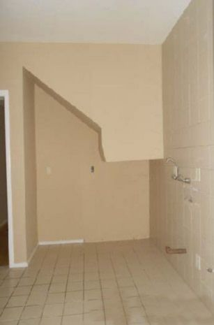 CASA em condomínio, 3 dormitórios em OTIMO estado de conservação, suite, living c/ 2 ambientes,   churrasqueira no imóvel, 3 banheiros,110 m2 de área privativa, salão de festas,  portaria 24h, 2 vagas de garagem. Imediações: AV. TERESOPOLIS  - construção em: 1996