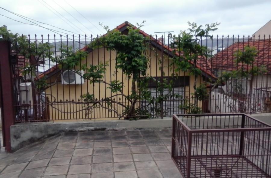 Terreno plano 390m, opção de adquirir terreno vizinho, ficando o total de 1170 m (valor à consultar com o corretor). Excelente acesso, região residencial, entre Protásio Alves e Ipiranga.
