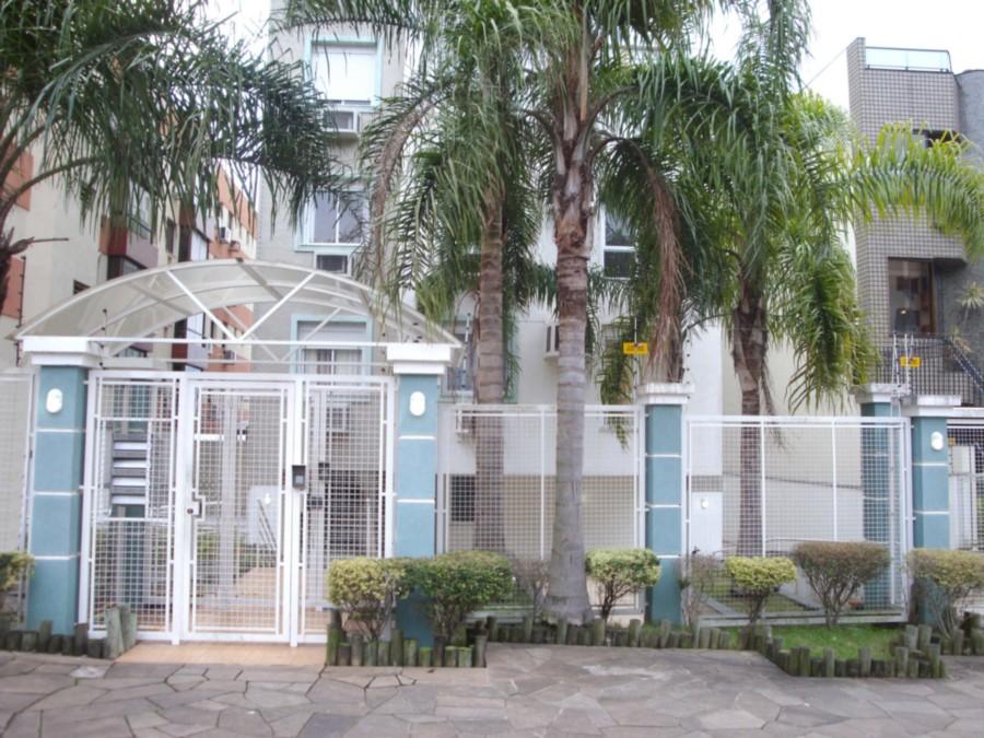 Ótimo apartamento de 3 dormitórios, 1 suite com closet, living 2 ambientes, cozinha americana montada com área de serviço, duas vagas escrituradas, muito bem localizado, pronto para morar. Com Infraestrutura completa.