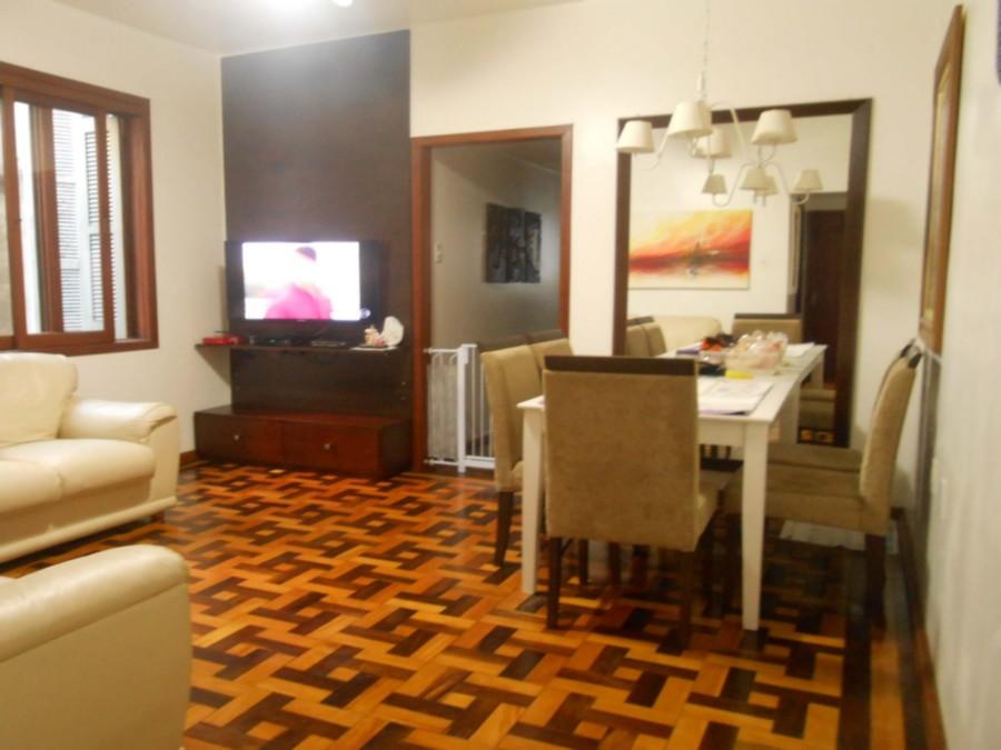 Ótimo apartamento 3 dormitórios, com dependência de empregada, banheiro auxiliar, excelente localização, 2 andar, fundos, silencioso.