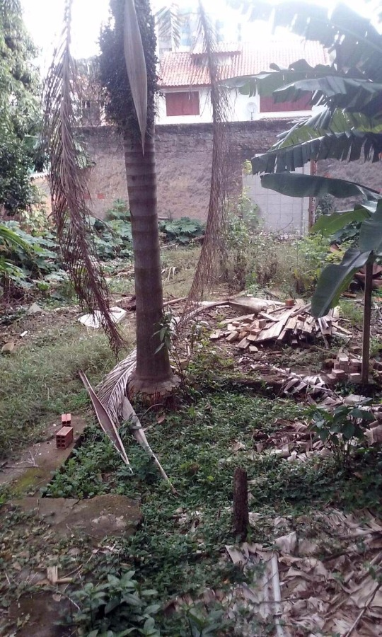 terreno próximo ao Iguatemi 10x30m