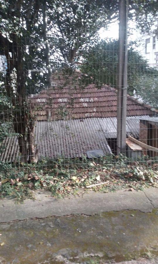 terreno próximo ao Iguatemi 10x30m, bairro Passo da Areia, Porto Alegre.
