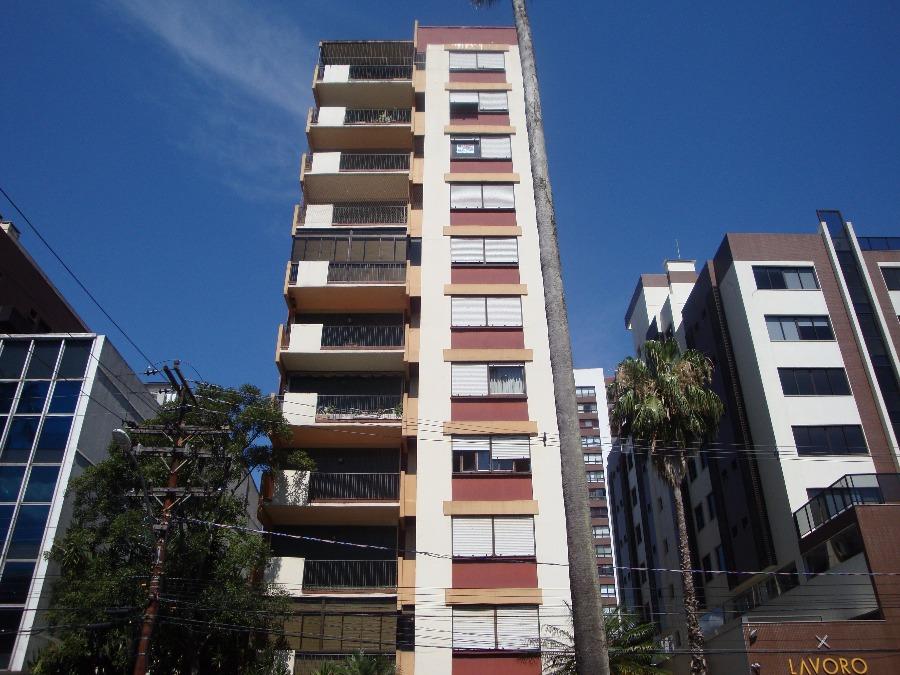 Apartamento com 3 dormitórios, no Bairro Menino Deus, Porto Alegre, área 102m, 1 vaga de garagem,  de frente, living com sacada, banheiro social, lavabo, cozinha, área de serviço, dependência de empregada e banheiro auxiliar. Condomínio com 2 salões de festa e Portaria 24 horas