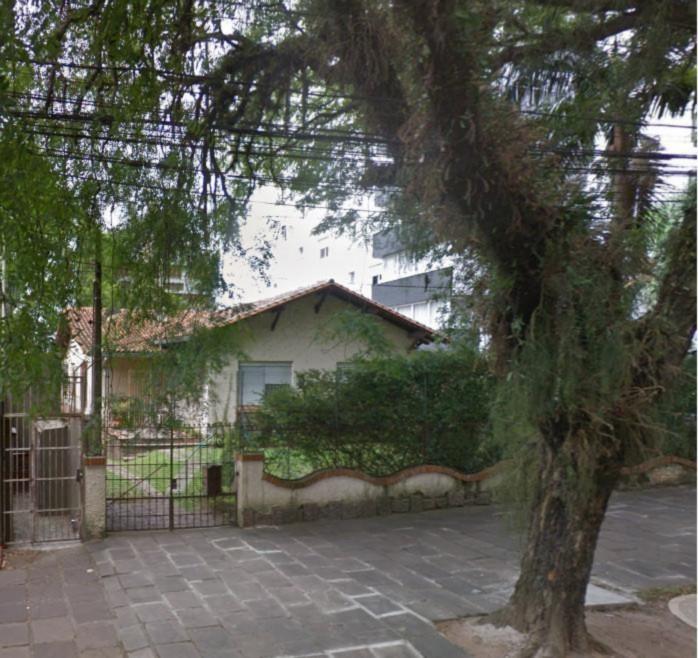 Excelente terreno, numa localização privilegiada. Há uma quadra da Perimetral e da Av. Protásio Alves.
