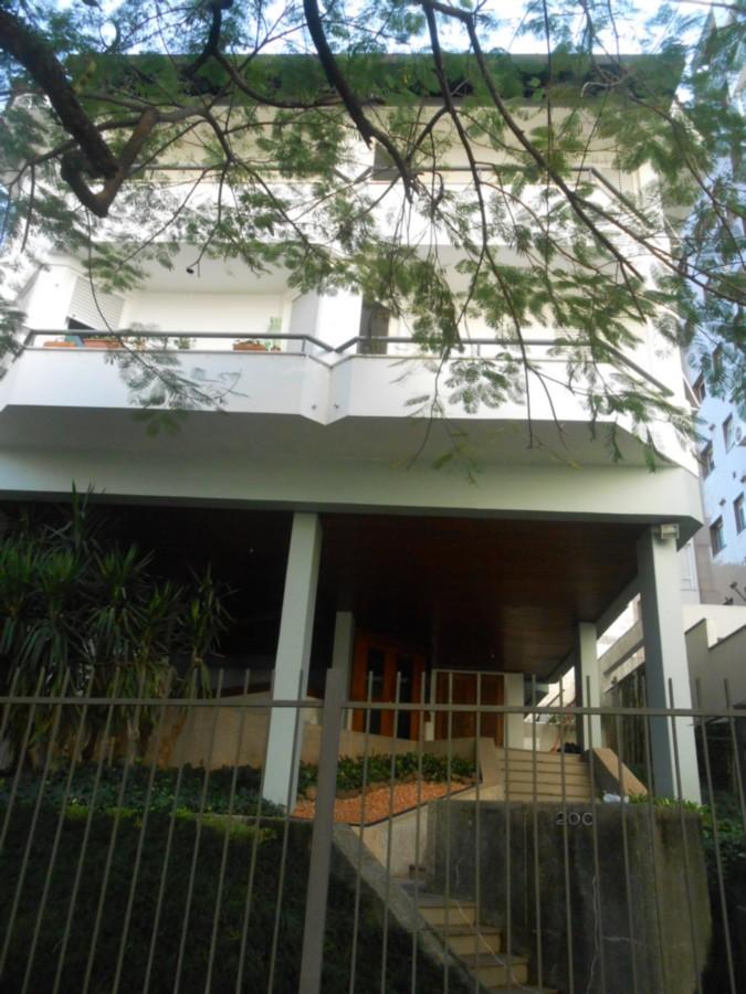 Diferenciada cobertura no bairro Bela Vista,em rua arborizada e residencial,em prédio pequeno com poucas unidades e 2 vagas de garagem escrituradas,cobertas e lado a lado.