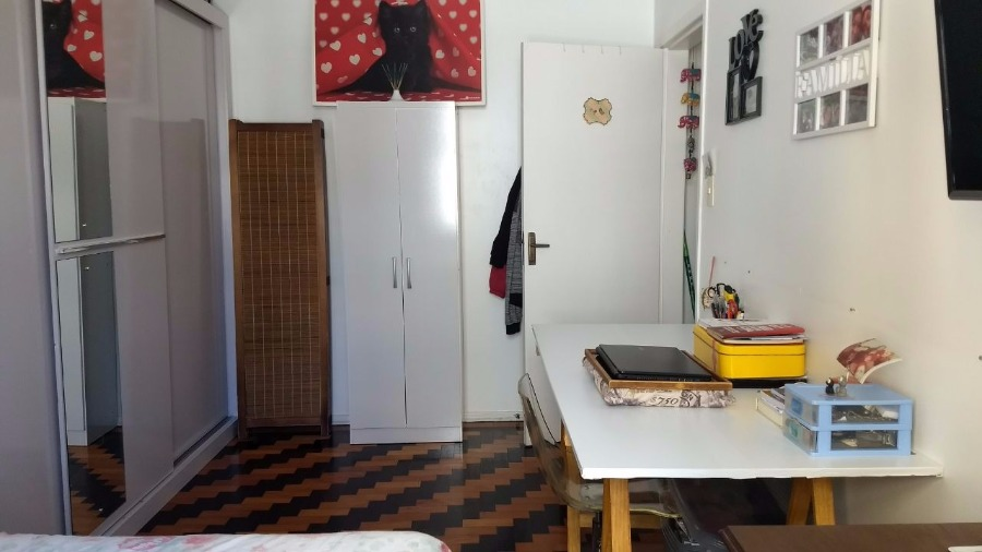 Apartamento de um dormitório próximo ao TRT4 e Shopping Praia de Belas , Parque Marinha Silencioso e ensolarado. Um dormitório , sala, cozinha, banheiro.
